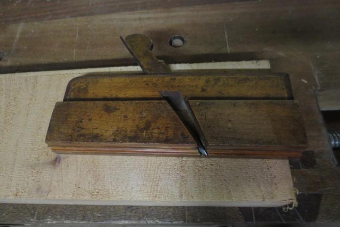 Cepillo de molduras (Side Bead molding plane)