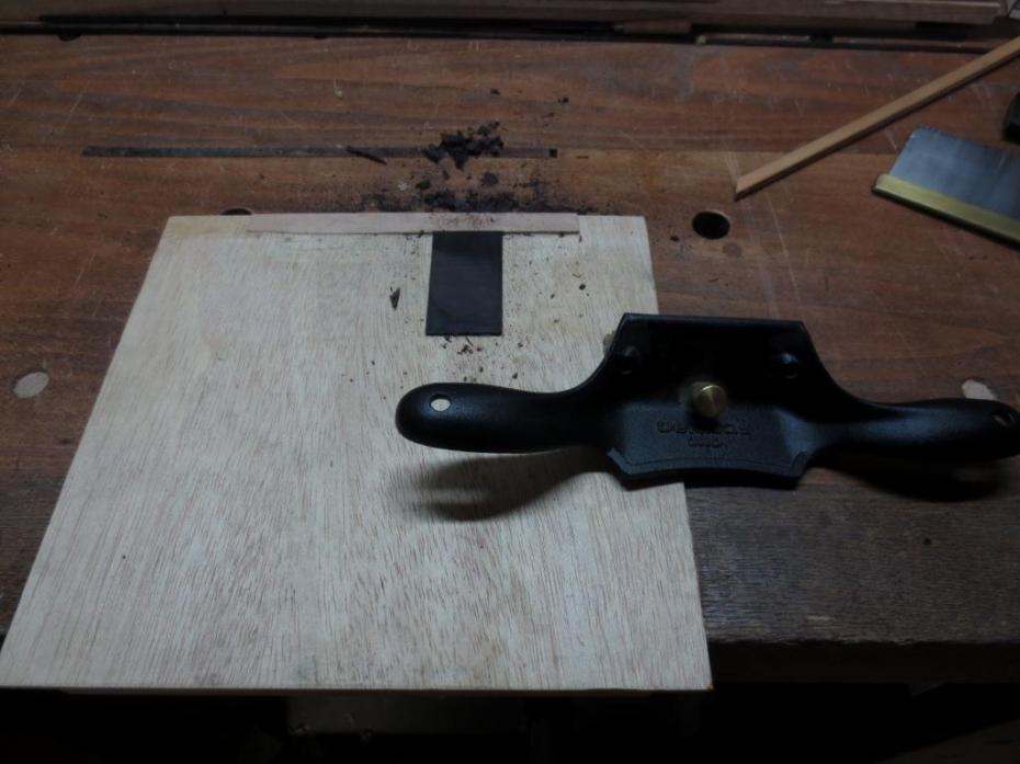 Cepillando lamina de granadillo